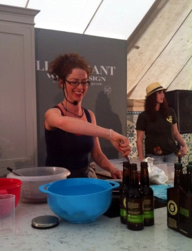 Caroline-Hennesy-Eight-Degrees-Brewing-demo-at-Electric-Picnic-2012